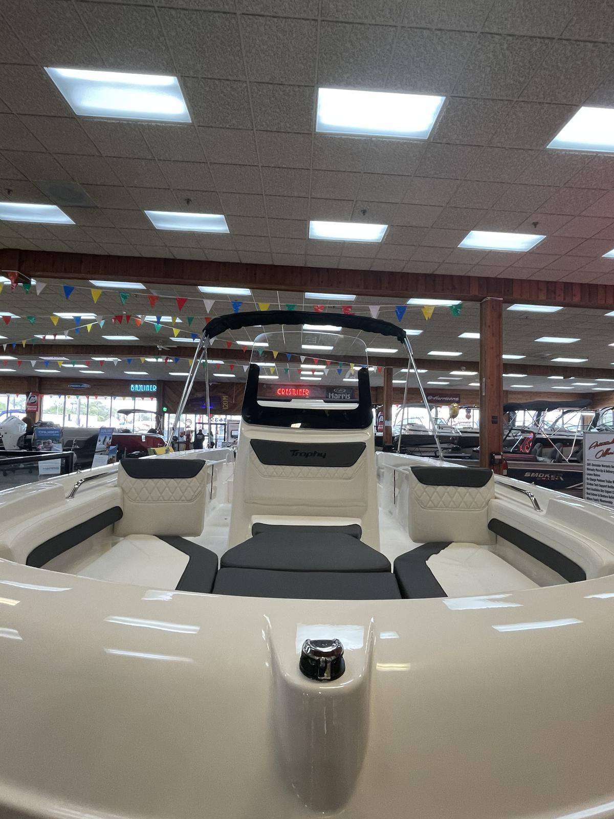 2021 Bayliner boat for sale, model of the boat is T20CC & Image # 4 of 12