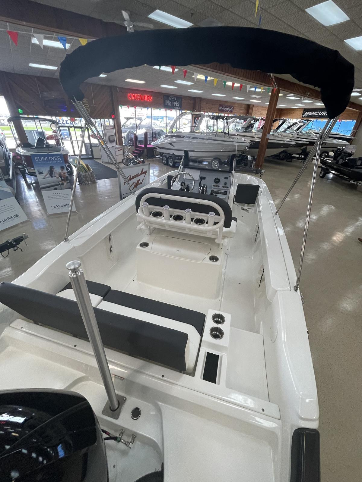 2021 Bayliner boat for sale, model of the boat is T20CC & Image # 9 of 12