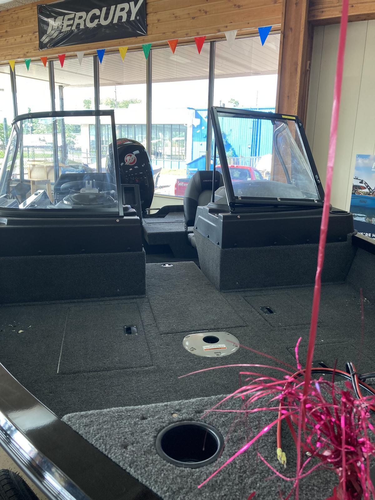 2021 Crestliner boat for sale, model of the boat is 1650 Fish Hawk Walk-through & Image # 5 of 20