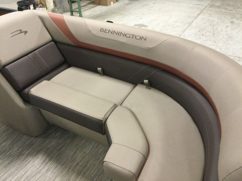 2021 Bennington boat for sale, model of the boat is 23 SSRX & Image # 3 of 23