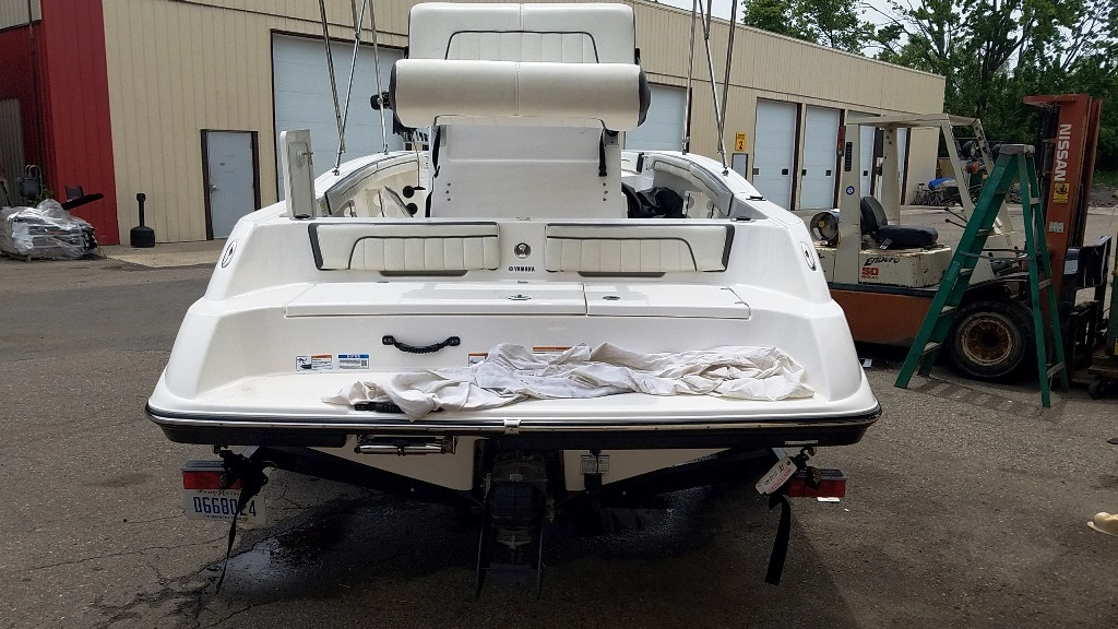 2016 Yamaha boat for sale, model of the boat is 190 FSH Deluxe & Image # 3 of 12