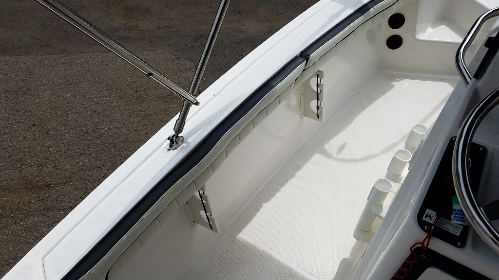 2016 Yamaha boat for sale, model of the boat is 190 FSH Deluxe & Image # 11 of 12