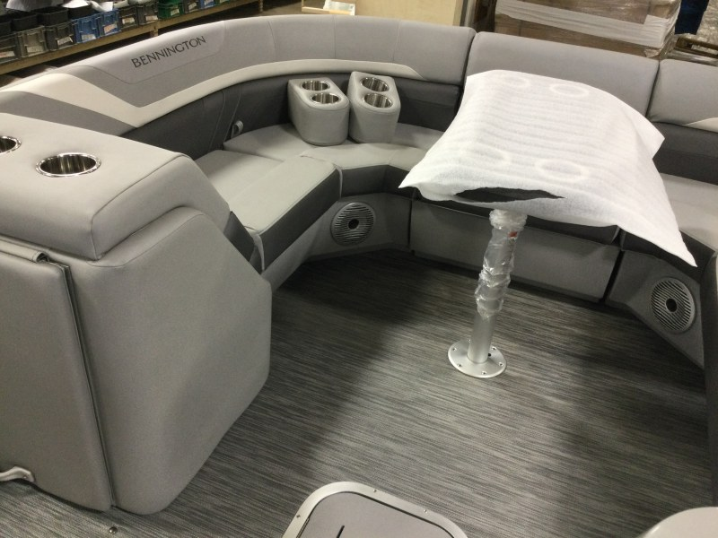 2021 Bennington boat for sale, model of the boat is 23 SSRX & Image # 7 of 25