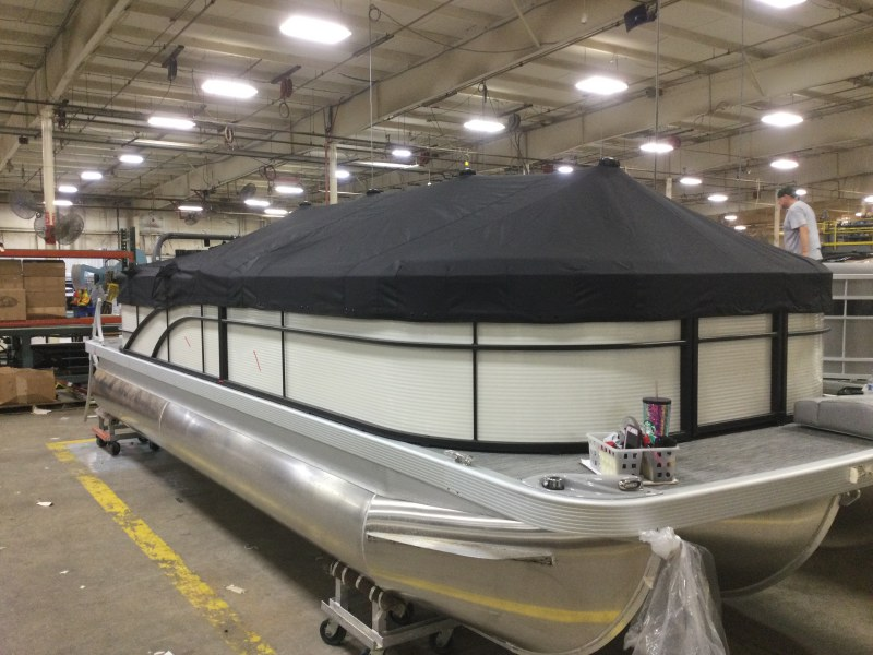2021 Bennington boat for sale, model of the boat is 23 SSRX & Image # 10 of 25