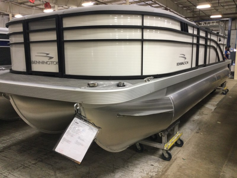 2021 Bennington boat for sale, model of the boat is 23 SSRX & Image # 1 of 25