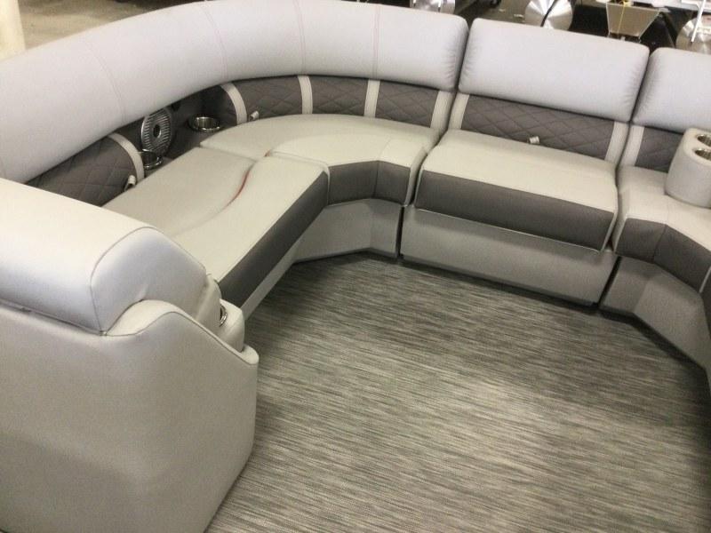 2021 Bennington boat for sale, model of the boat is 21 LSB & Image # 6 of 14