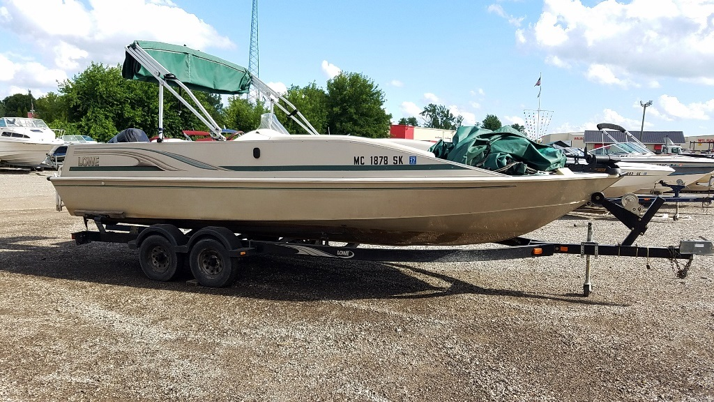 2001 Lowe boat for sale, model of the boat is Tahiti 224 & Image # 3 of 12