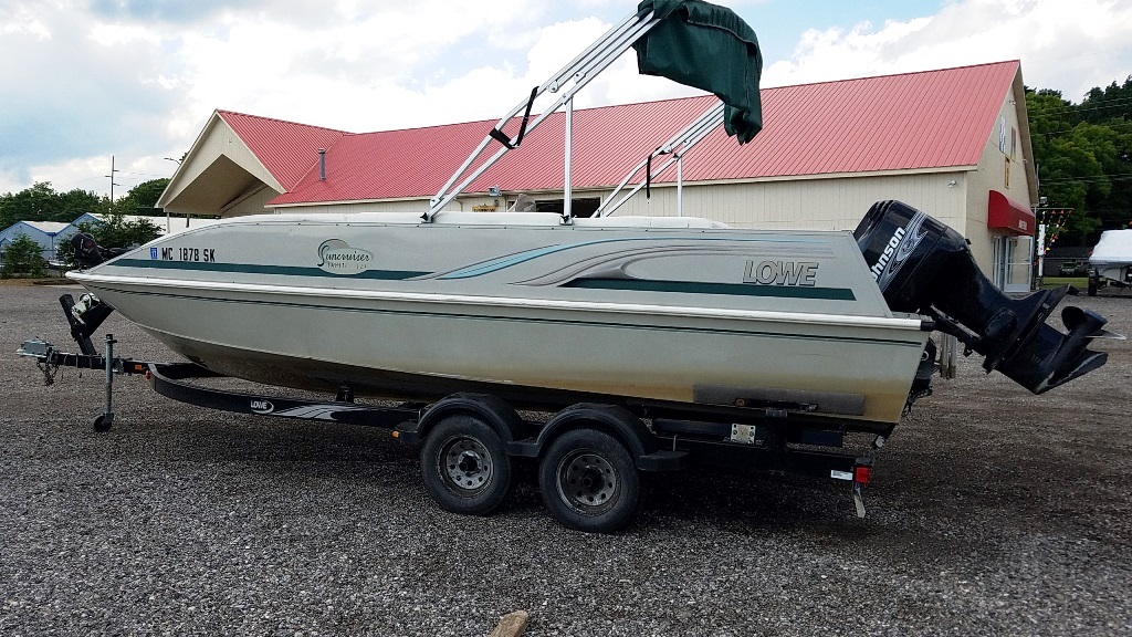 2001 Lowe boat for sale, model of the boat is Tahiti 224 & Image # 5 of 12