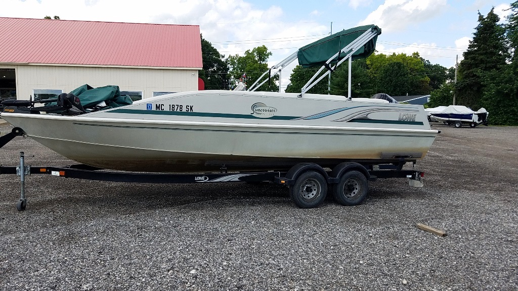 2001 Lowe boat for sale, model of the boat is Tahiti 224 & Image # 4 of 12
