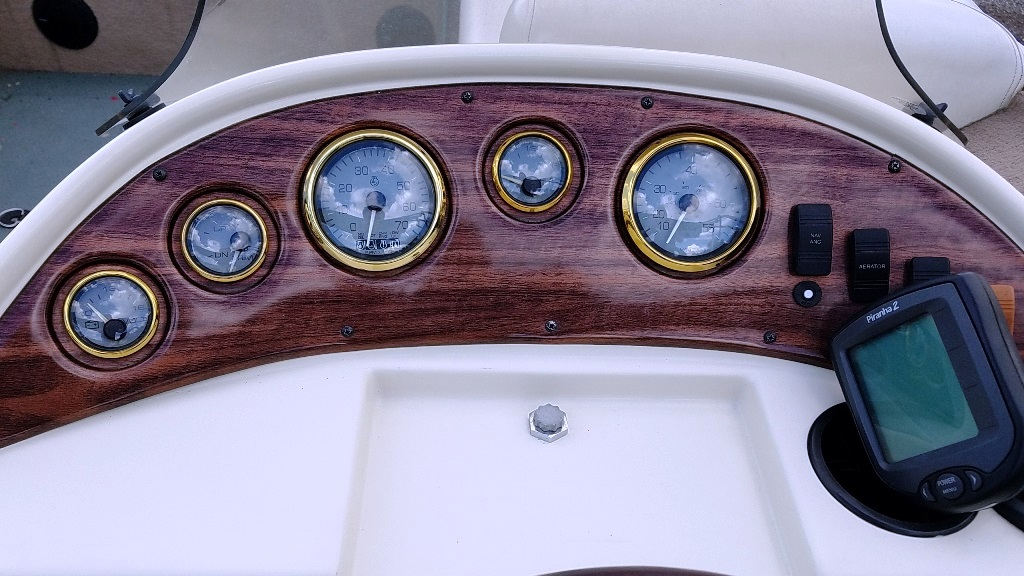 2001 Lowe boat for sale, model of the boat is Tahiti 224 & Image # 8 of 12