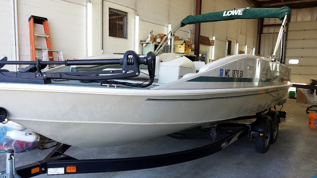 2001 Lowe boat for sale, model of the boat is Tahiti 224 & Image # 2 of 12