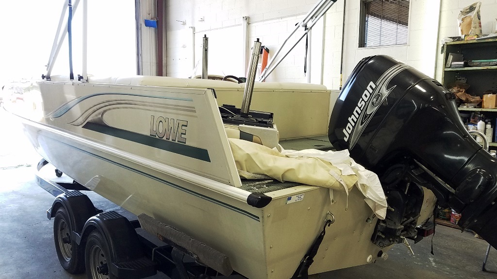 2001 Lowe boat for sale, model of the boat is Tahiti 224 & Image # 6 of 12