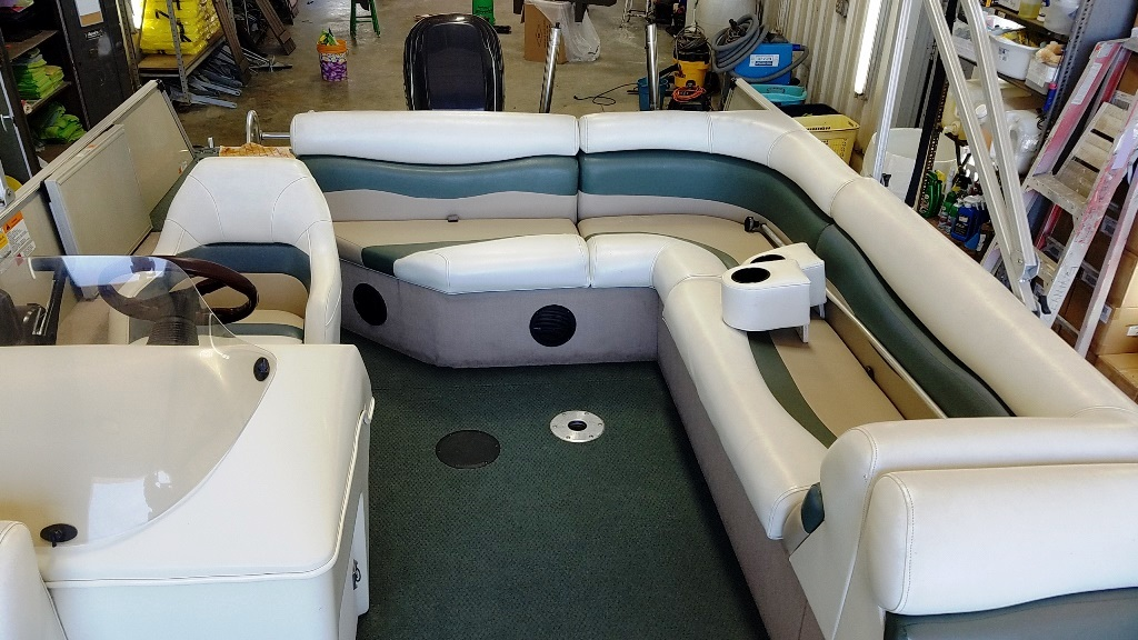 2001 Lowe boat for sale, model of the boat is Tahiti 224 & Image # 12 of 12