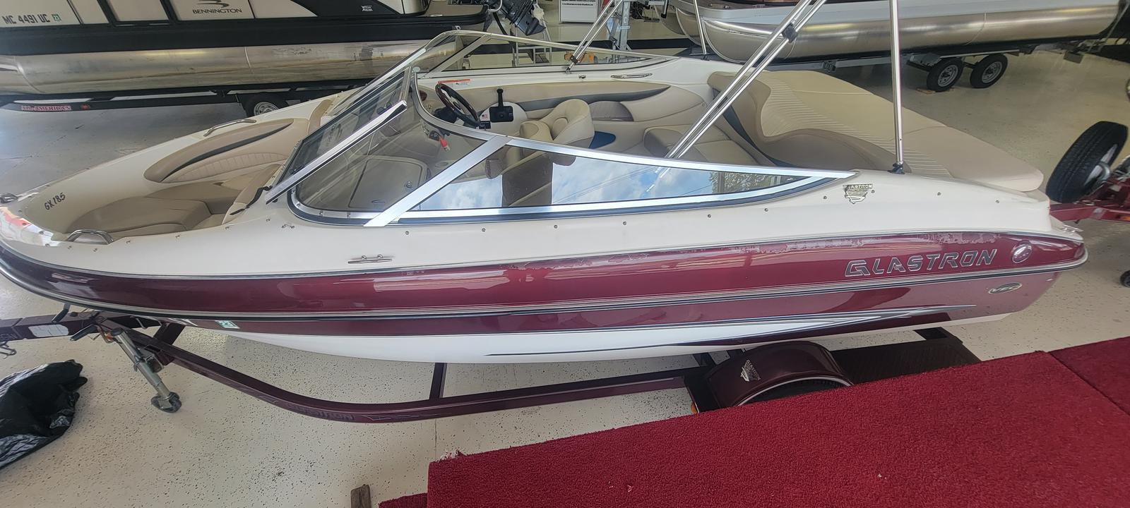 2006 Glastron boat for sale, model of the boat is GX 185 & Image # 3 of 7