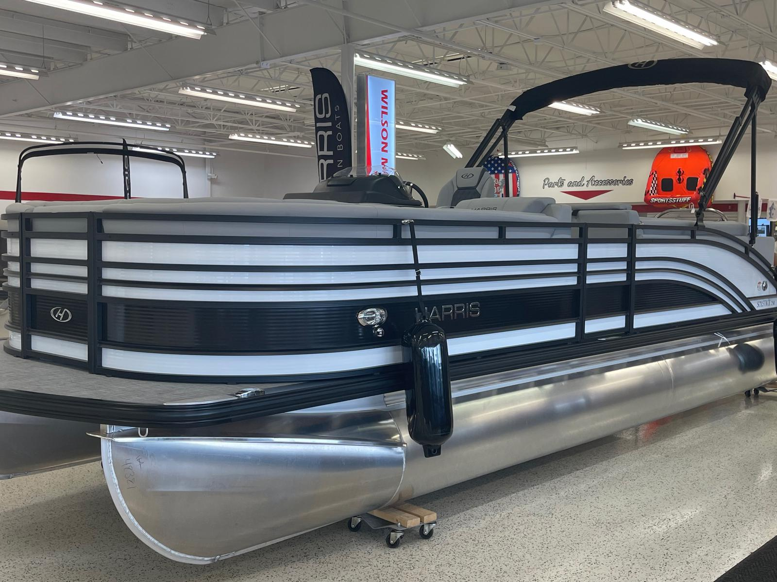 2021 Harris boat for sale, model of the boat is Solstice 250 & Image # 1 of 19