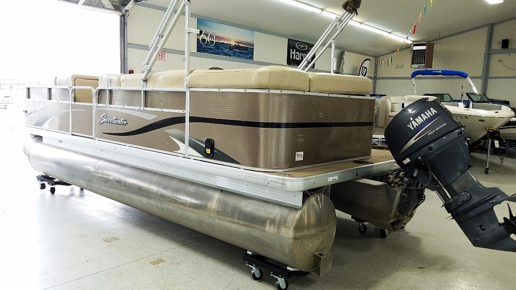 2012 Sweetwater boat for sale, model of the boat is 2286 & Image # 3 of 10
