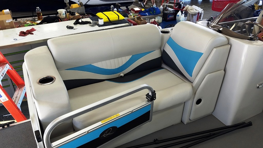 2020 Qwest Pontoons boat for sale, model of the boat is Edge 816 VX Cruise & Image # 6 of 11