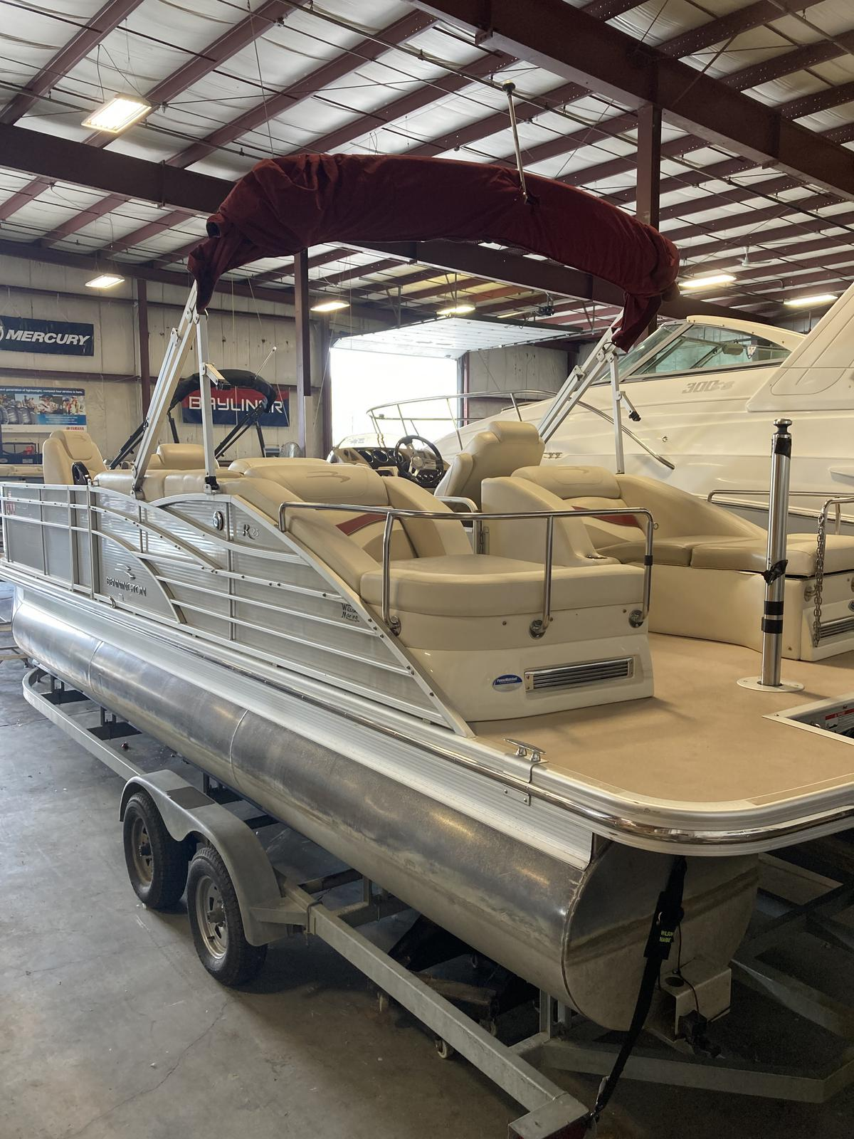 2012 Bennington boat for sale, model of the boat is 2575 RCWCP Limited & Image # 1 of 6