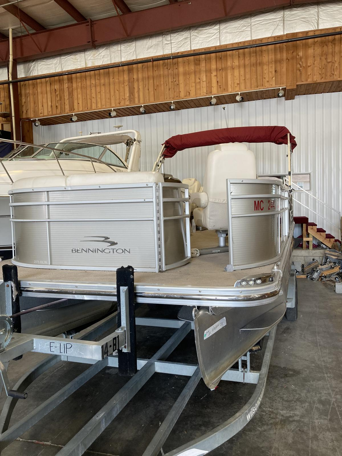 2012 Bennington boat for sale, model of the boat is 2575 RCWCP Limited & Image # 2 of 6