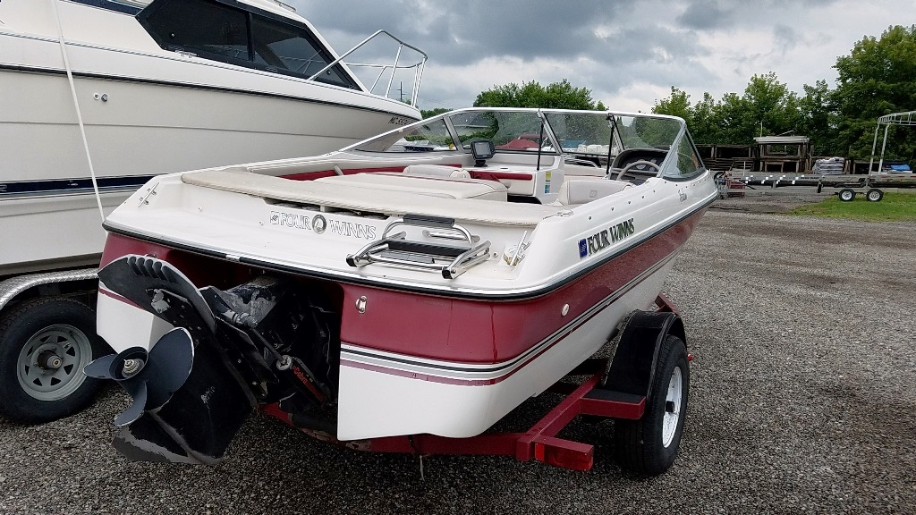 1995 Four Winns boat for sale, model of the boat is 170 Freedom & Image # 4 of 6