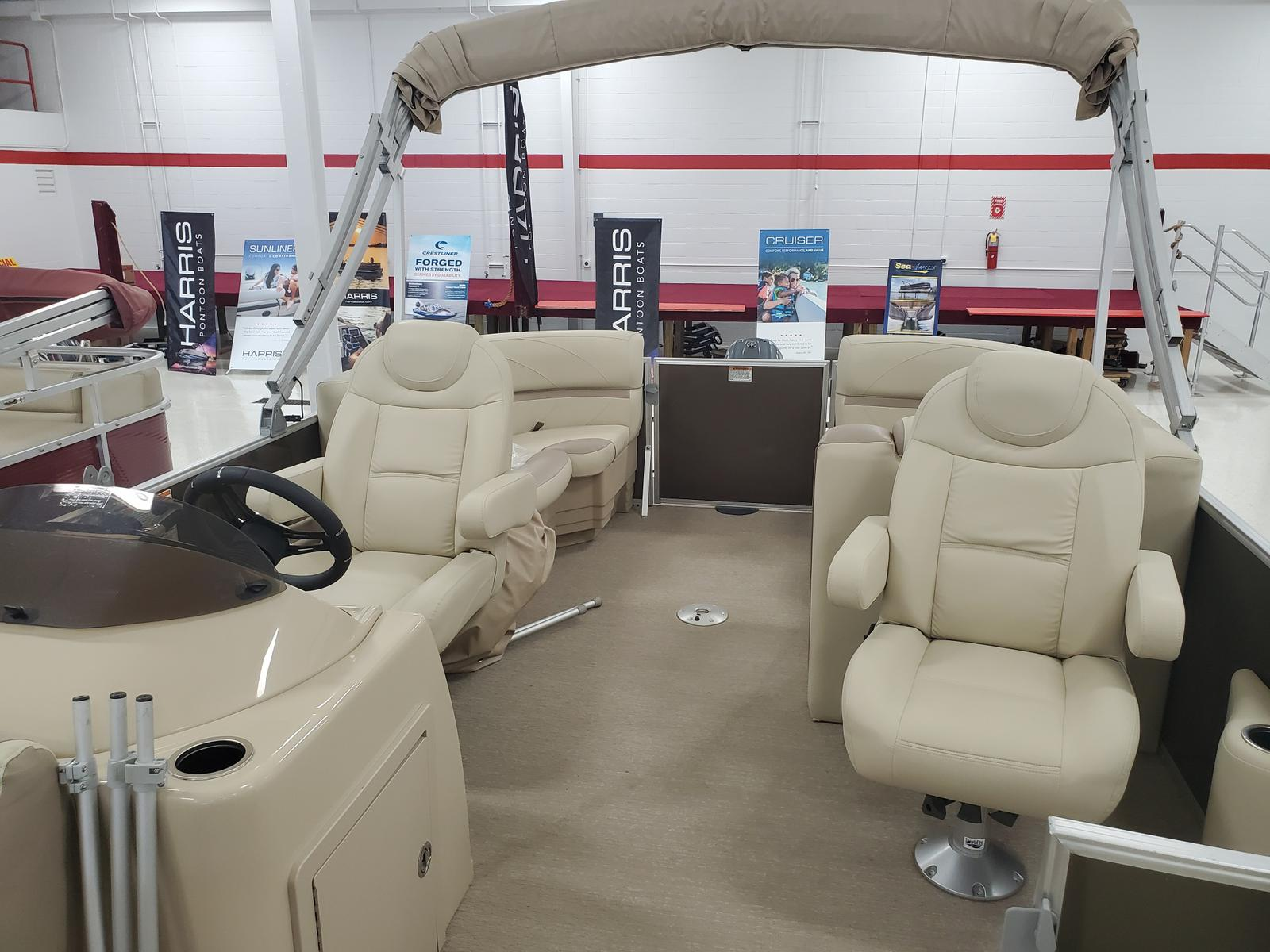 2018 SunChaser boat for sale, model of the boat is Geneva Cruise 20 LR DH & Image # 5 of 11