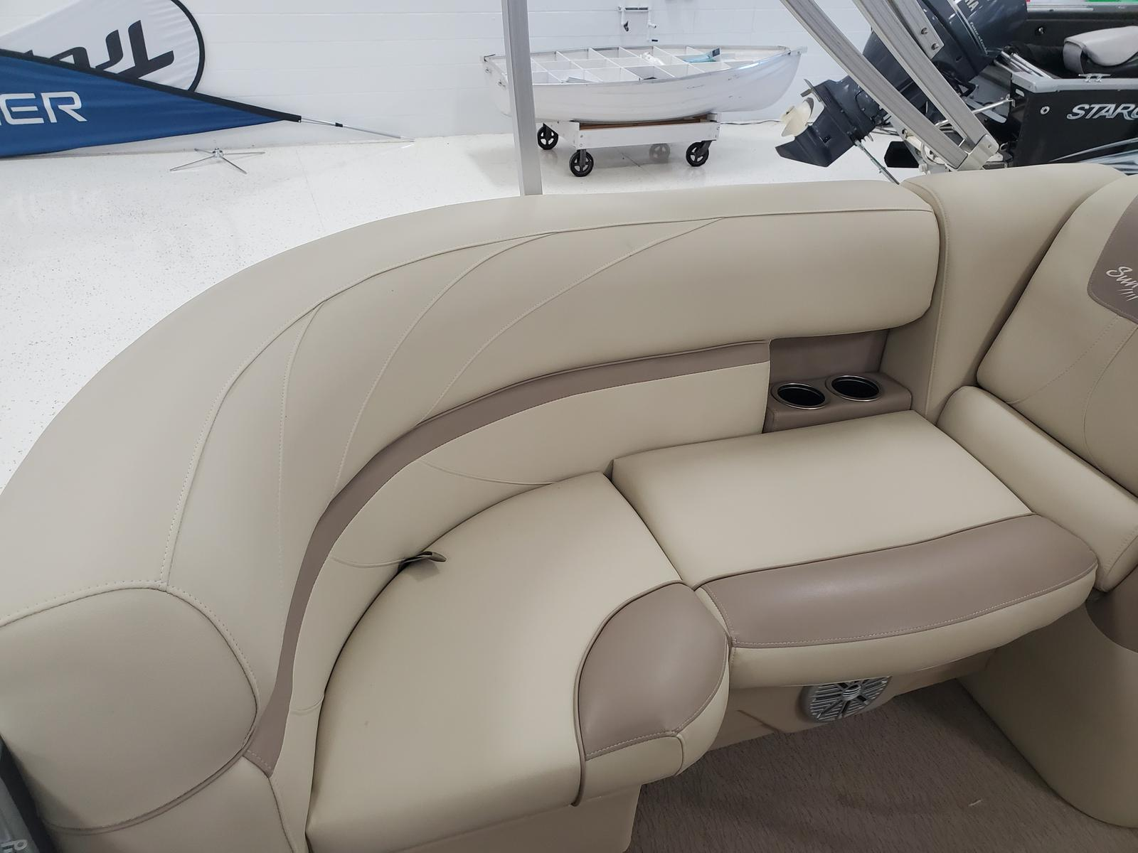 2018 SunChaser boat for sale, model of the boat is Geneva Cruise 20 LR DH & Image # 6 of 11