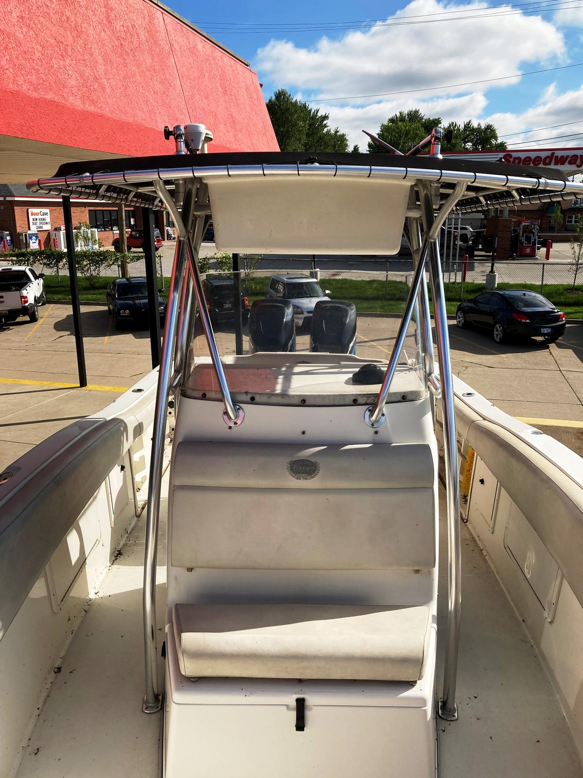 2002 Triton boat for sale, model of the boat is 2700 & Image # 5 of 7