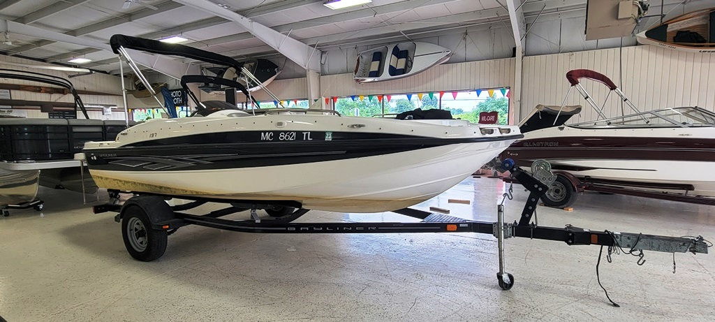 2012 Bayliner boat for sale, model of the boat is 197 SD & Image # 11 of 17