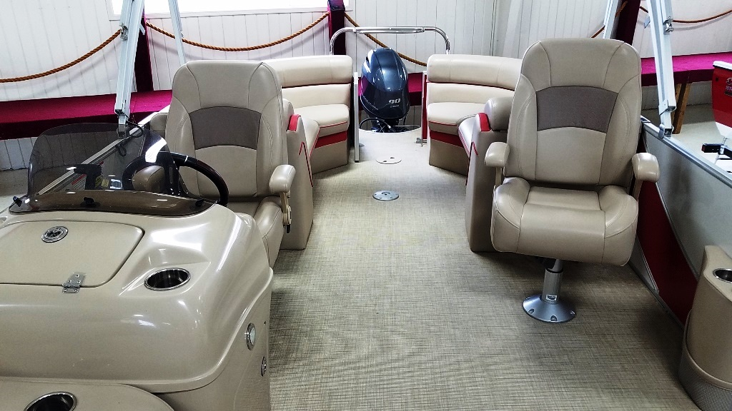 2018 South Bay boat for sale, model of the boat is 500 Series 521CR 2.0 & Image # 7 of 8