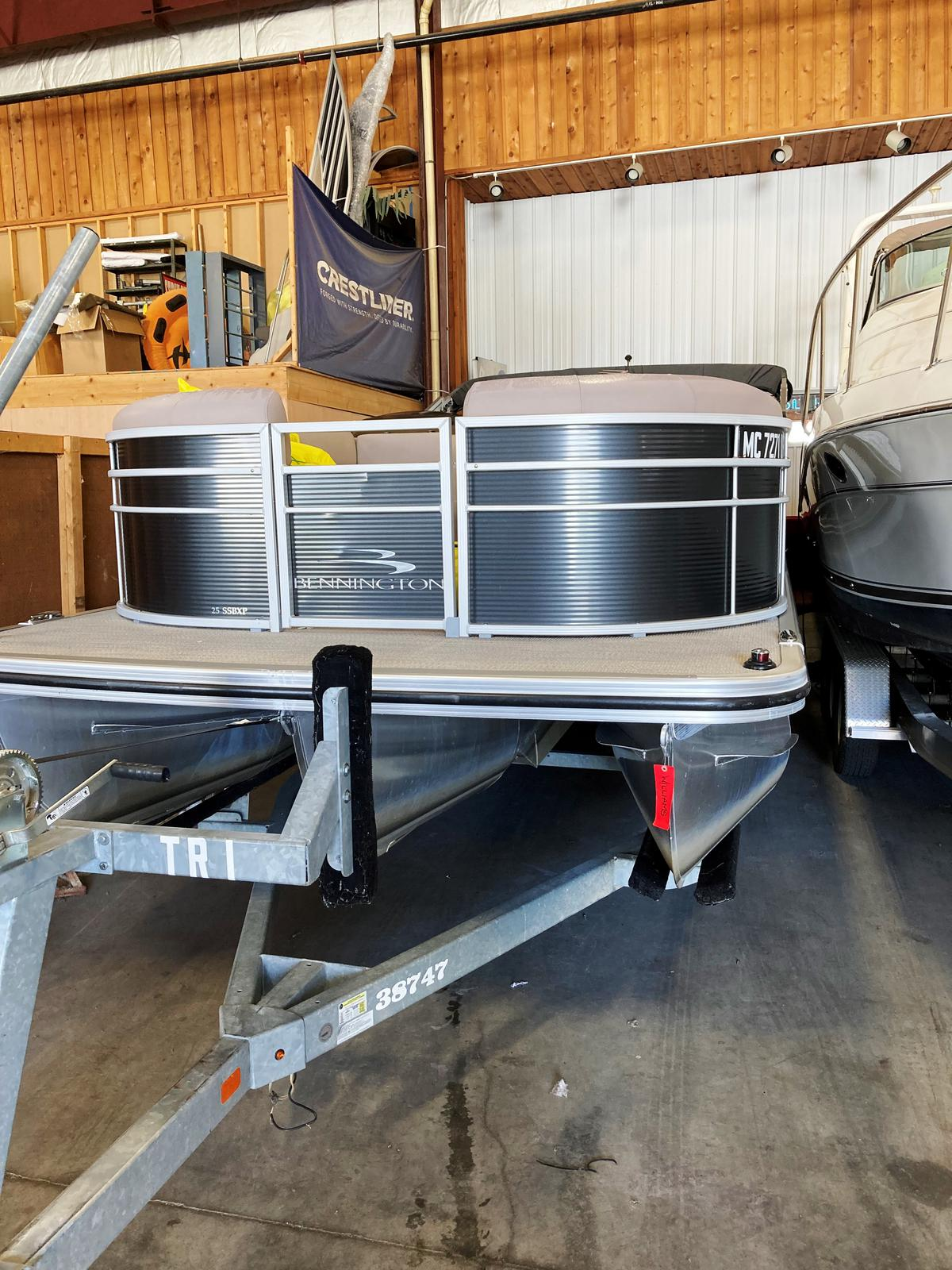 2019 Bennington boat for sale, model of the boat is 25 SSBXP & Image # 1 of 5