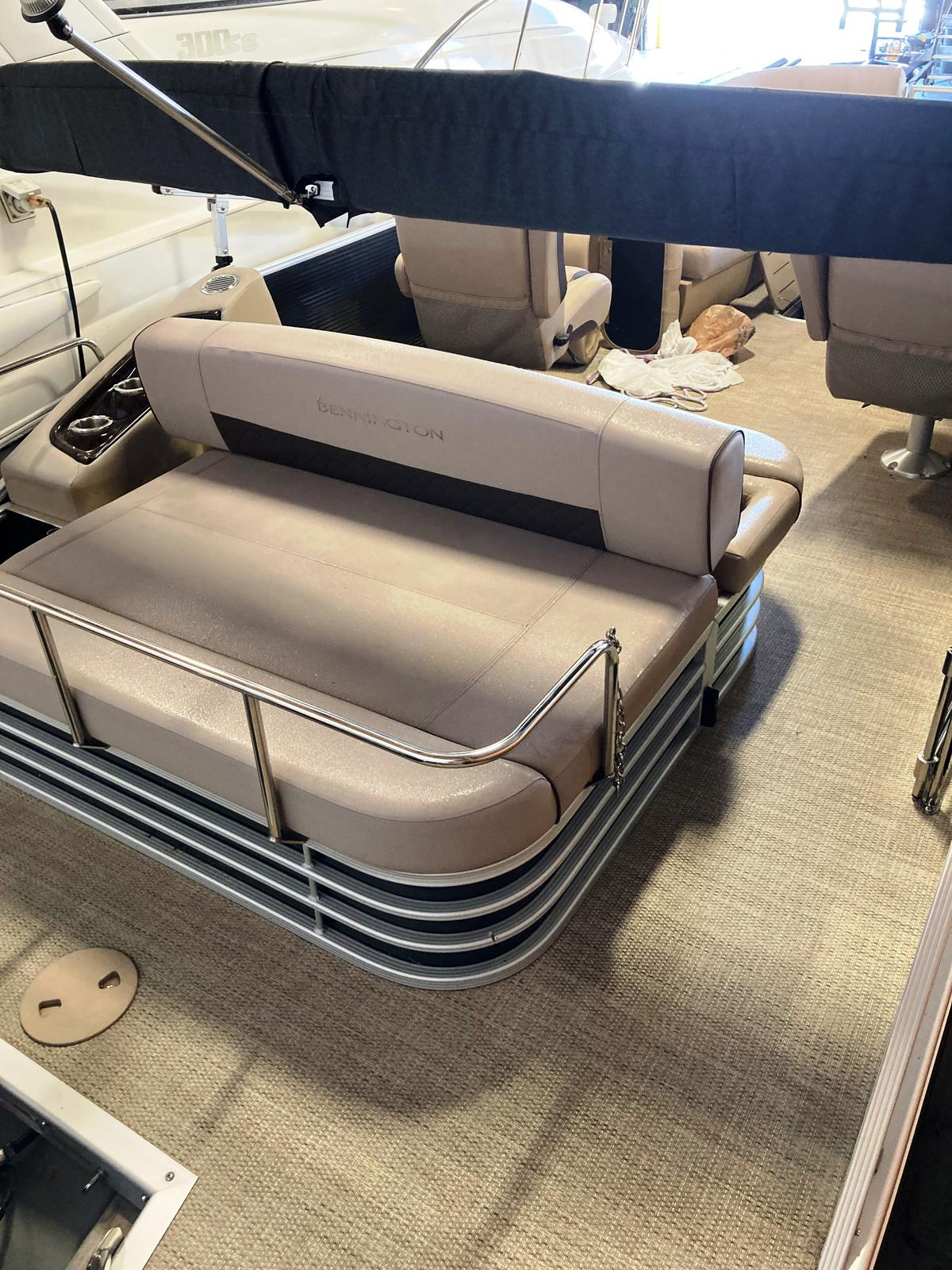 2019 Bennington boat for sale, model of the boat is 25 SSBXP & Image # 2 of 5