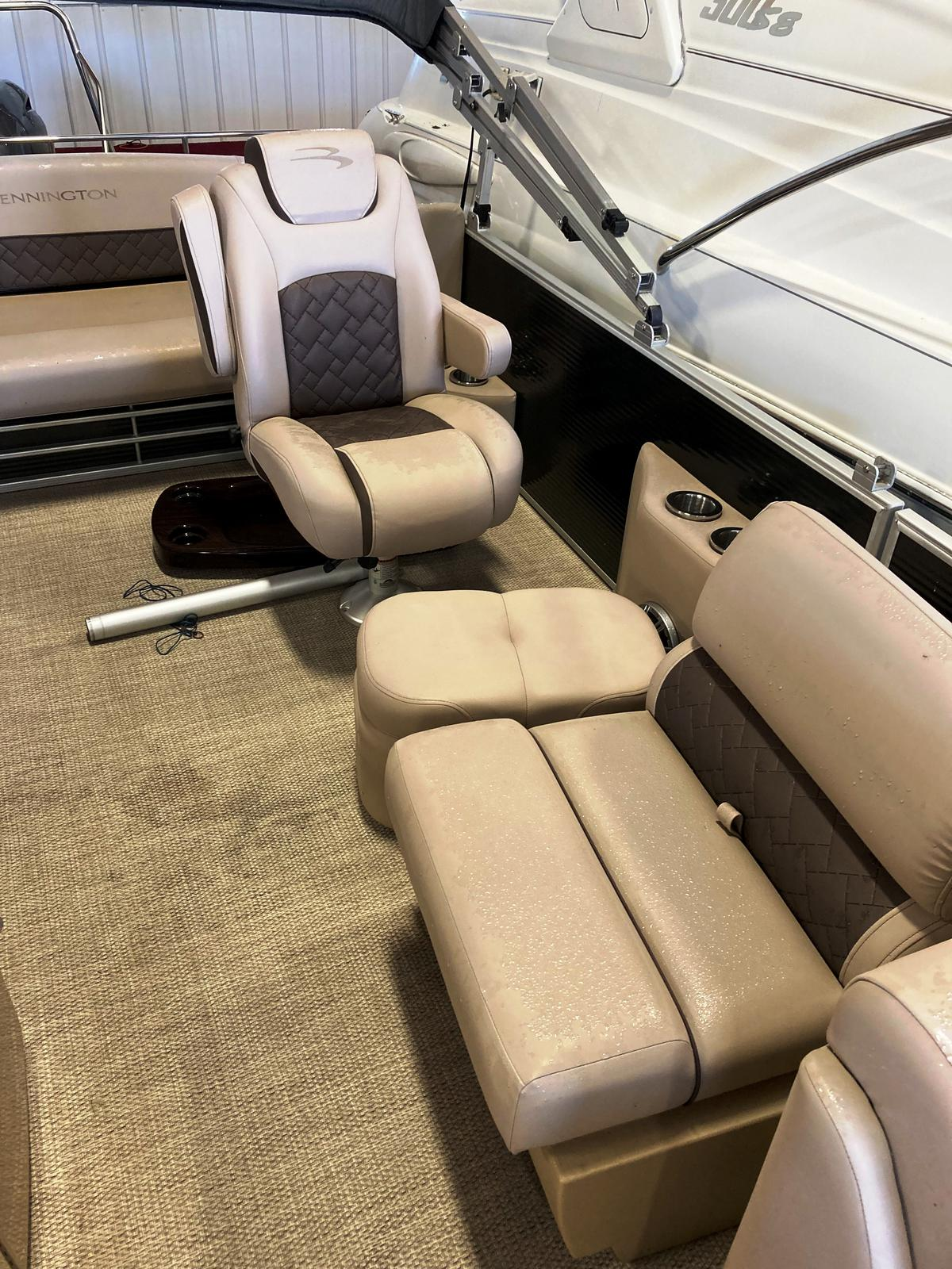 2019 Bennington boat for sale, model of the boat is 25 SSBXP & Image # 3 of 5