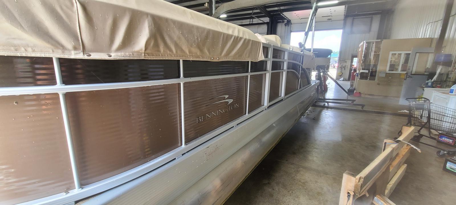 2018 Bennington boat for sale, model of the boat is 22 GSR & Image # 2 of 9
