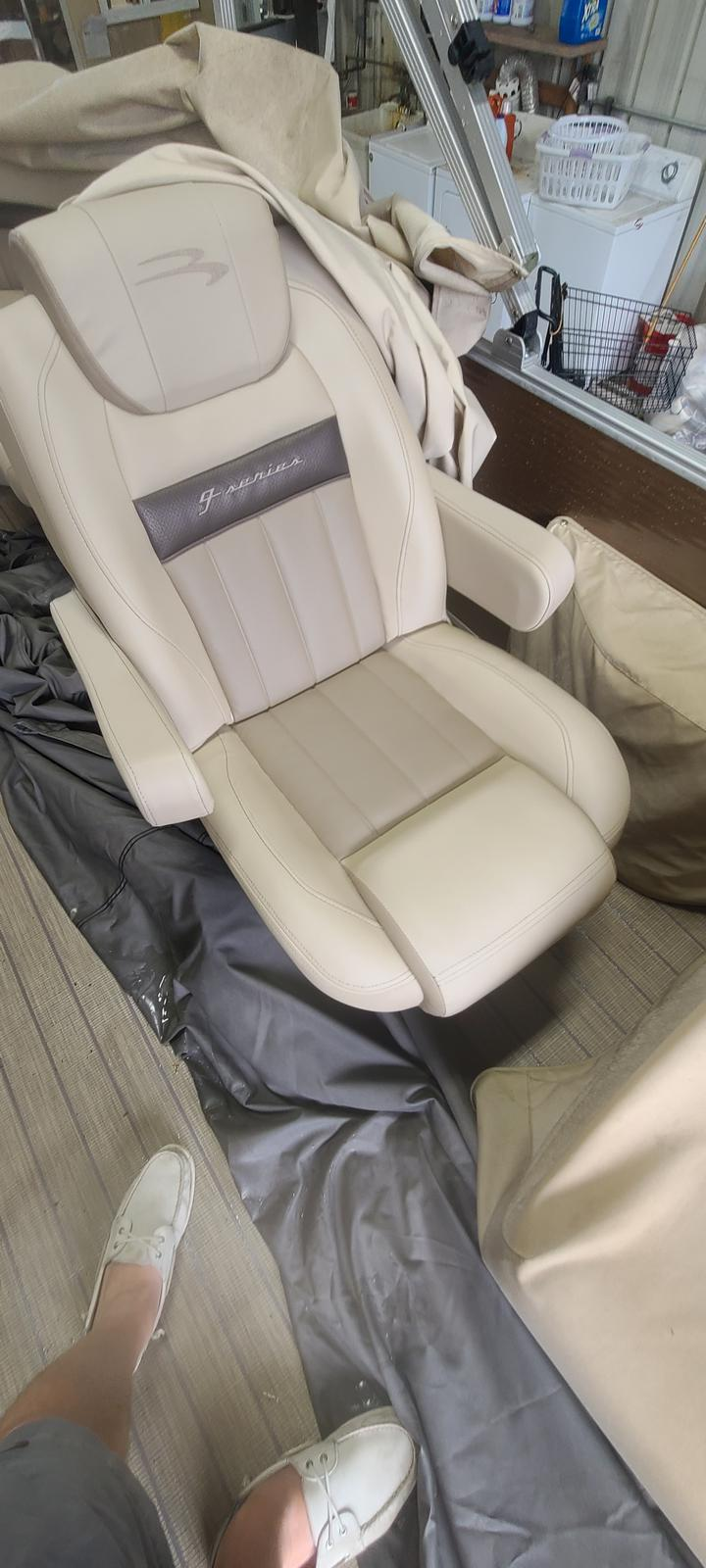 2018 Bennington boat for sale, model of the boat is 22 GSR & Image # 8 of 9