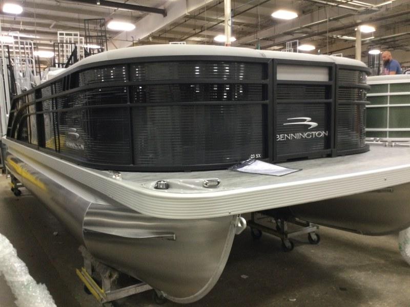 2021 Bennington boat for sale, model of the boat is 23 SSBX & Image # 2 of 22
