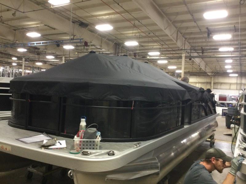 2021 Bennington boat for sale, model of the boat is 23 SSBX & Image # 9 of 22