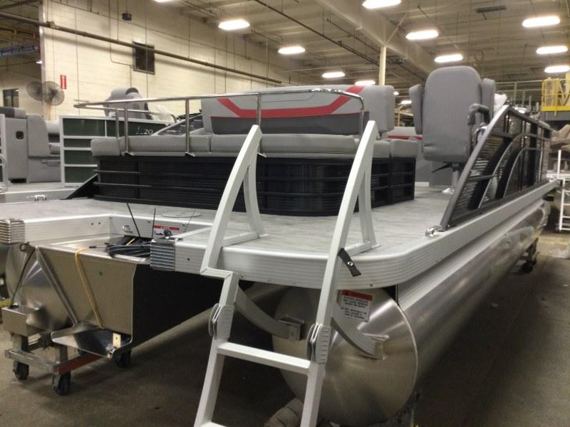 2021 Bennington boat for sale, model of the boat is 23 SSBX & Image # 12 of 22
