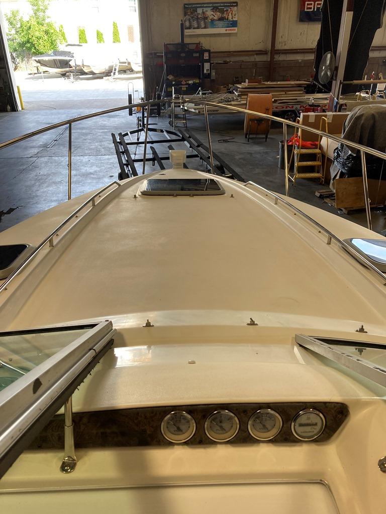 2001 Doral International boat for sale, model of the boat is 300 SE & Image # 2 of 7