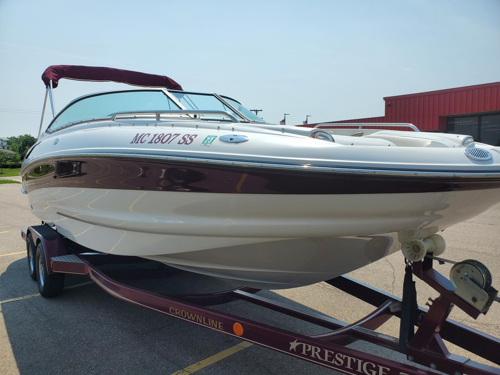 2004 Crownline boat for sale, model of the boat is Deck Boat 240 EX & Image # 3 of 12