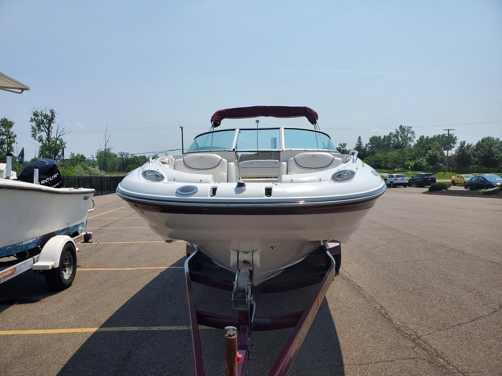 2004 Crownline boat for sale, model of the boat is Deck Boat 240 EX & Image # 4 of 12
