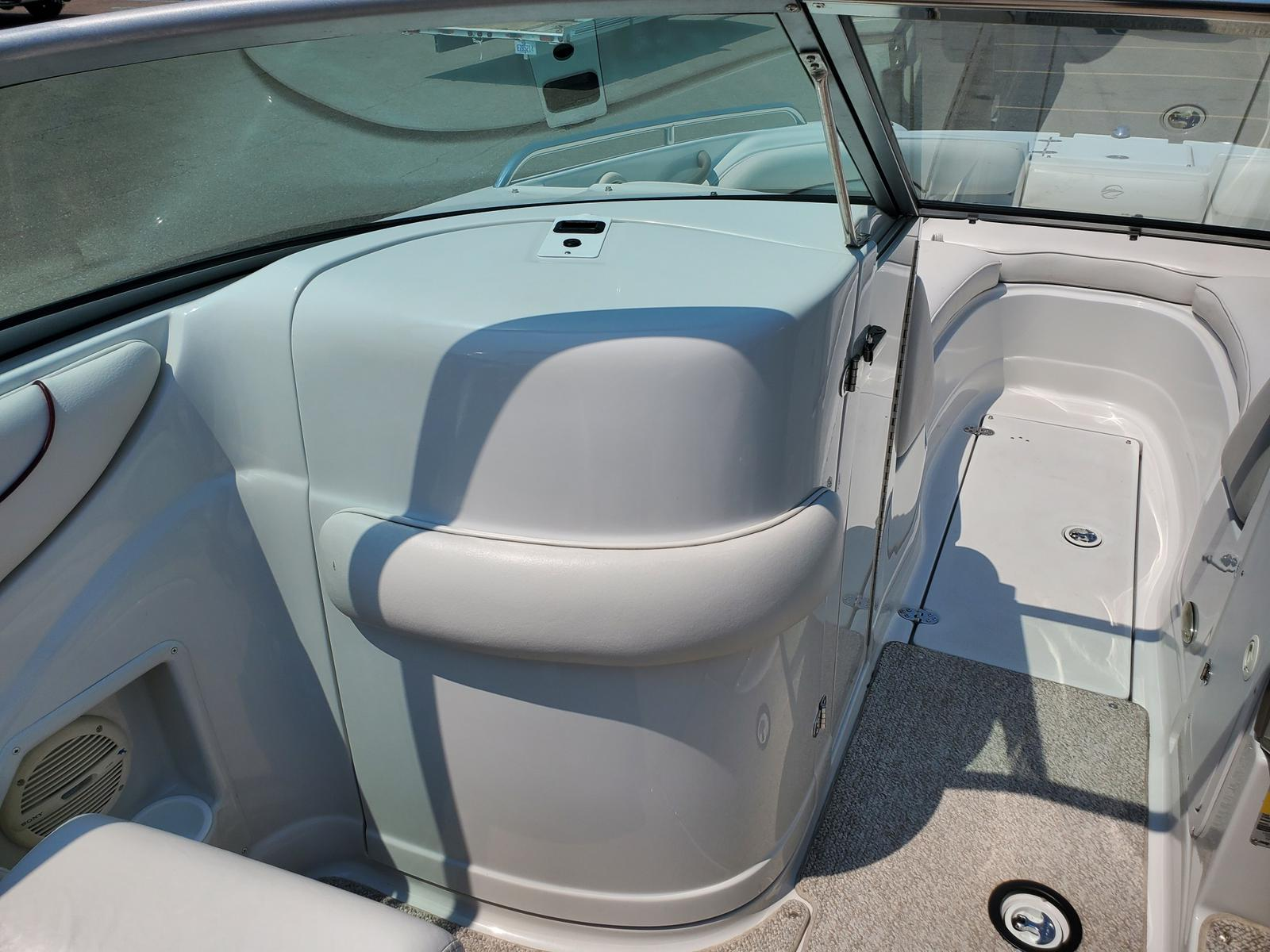 2004 Crownline boat for sale, model of the boat is Deck Boat 240 EX & Image # 8 of 12