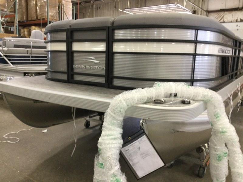 2021 Bennington boat for sale, model of the boat is 23 LSB & Image # 10 of 22