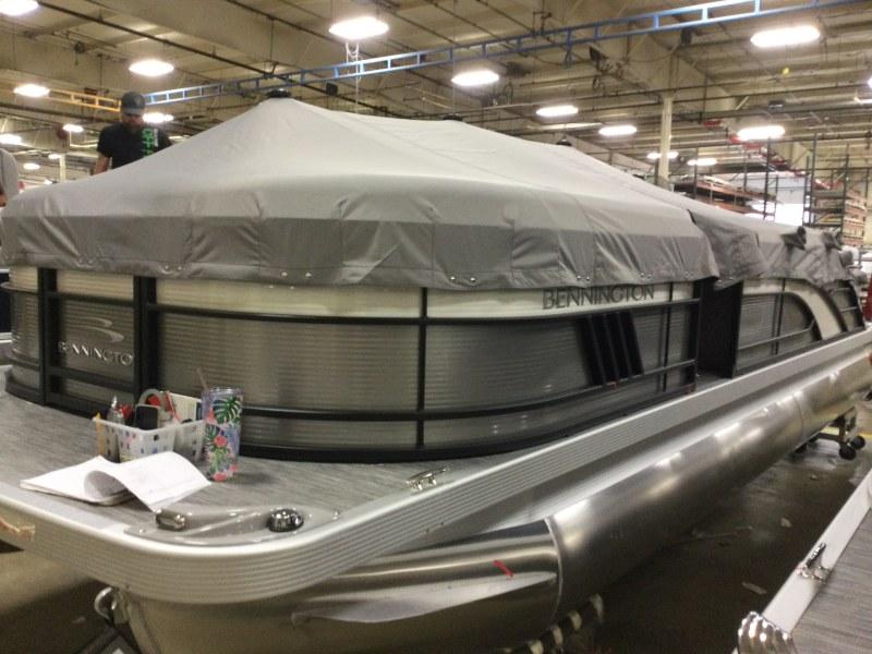 2021 Bennington boat for sale, model of the boat is 23 LSB & Image # 8 of 22