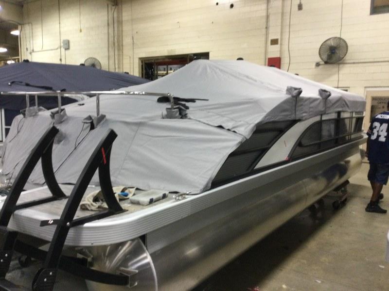 2021 Bennington boat for sale, model of the boat is 23 LSB & Image # 20 of 22