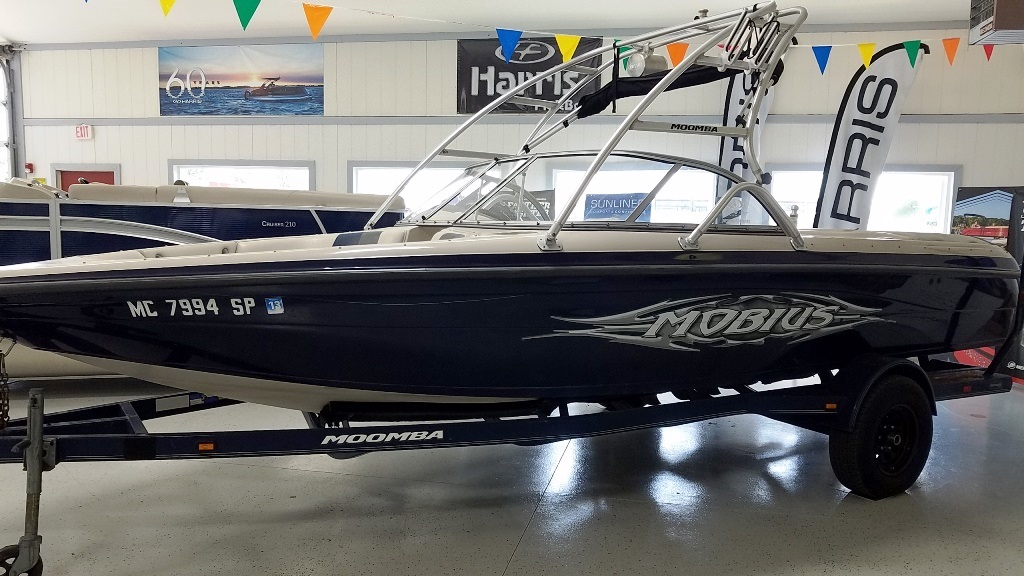2004 Moomba boat for sale, model of the boat is Mobius LSV & Image # 1 of 11