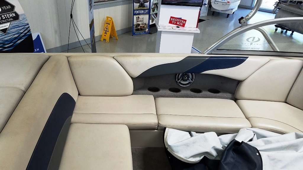 2004 Moomba boat for sale, model of the boat is Mobius LSV & Image # 5 of 11