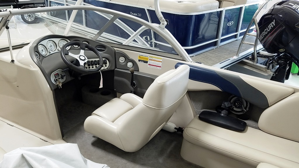 2004 Moomba boat for sale, model of the boat is Mobius LSV & Image # 7 of 11