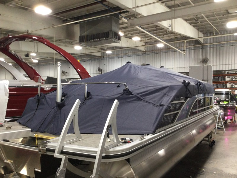 2021 Bennington boat for sale, model of the boat is 23 LXSB & Image # 6 of 12