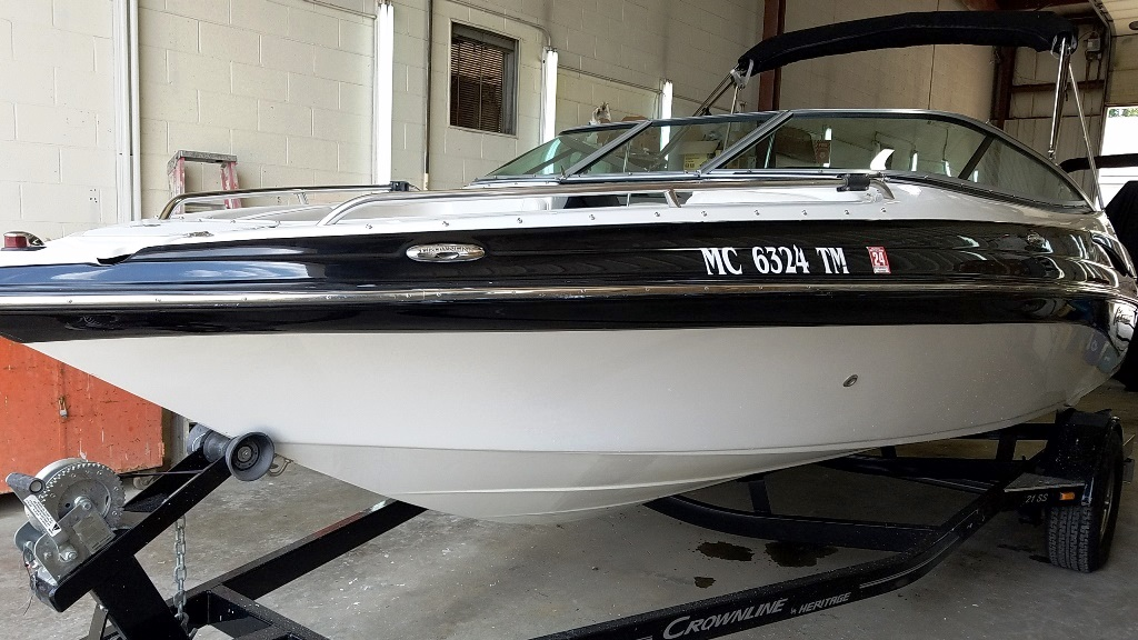 2012 Crownline boat for sale, model of the boat is Bowrider 21 SS & Image # 1 of 13