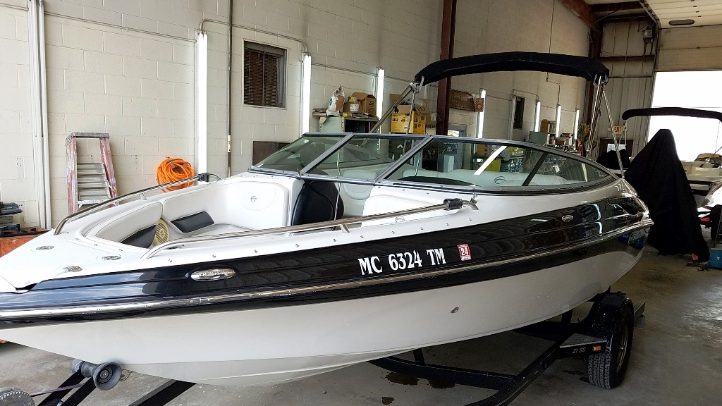 2012 Crownline boat for sale, model of the boat is Bowrider 21 SS & Image # 6 of 13